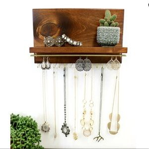 Beautiful wooden shelf jewelry organizer